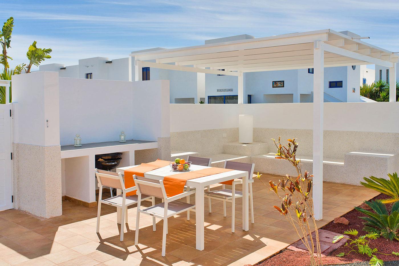 villa-barque-playa-blanca-weber-barbecue