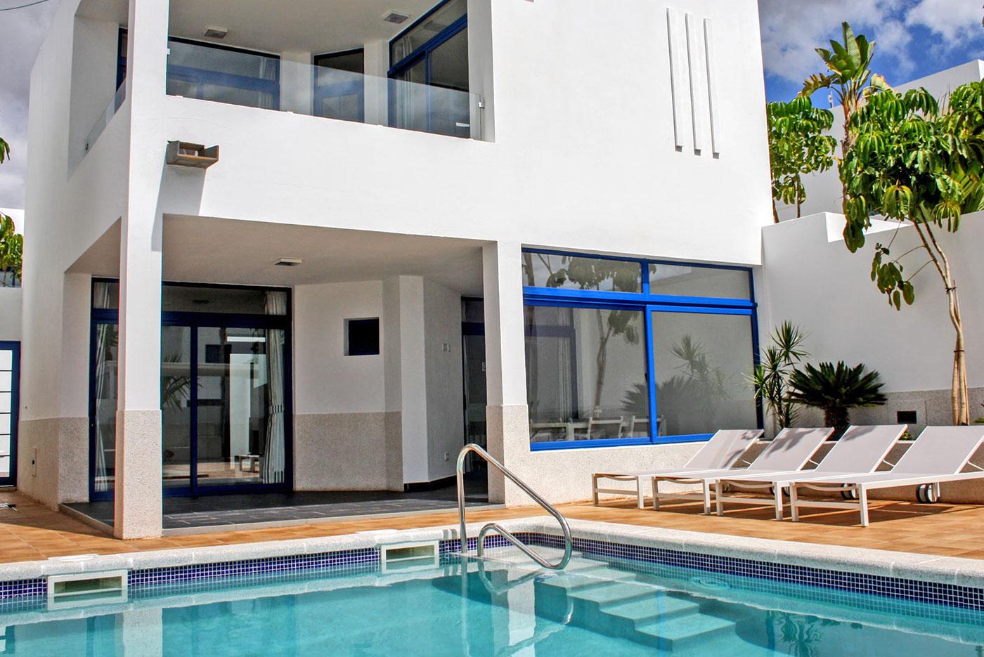 villa_pool_lanzarote